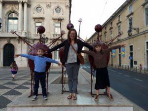 Nina med barnen