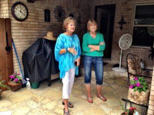 När vi besöker vår gamla skolkamrat Susie berättar Johnnie om den sorgesamma i Tyskland.