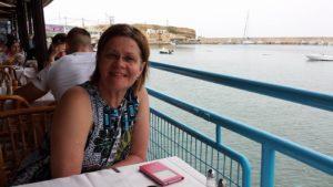Dick fru Susanne under en av parets semesterresor. Vissa resor har varit mer dramatiska än andra.
