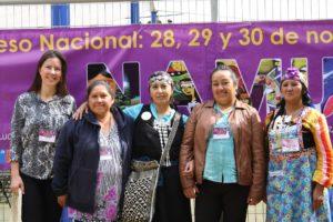 Lisa under ett möte med en av Latinamerikagruppernas samarbetsorganisationer i Chile, Anamuri.