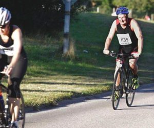 En minitriathlon kräver innebär en cykeltur på 1,8 mil. Inga problem för Ronald.