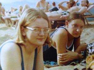 1970 under tillbringade Mireille och jag en vecka på Kanarieöarna. Då träffade vi hennes syster Hélène som jobbade där.