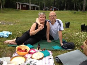 Bosse och Marianne. Politiken har dominerat deras liv men inte bara. Fyra barn har växt upp i det Larm-Svenssonska hemmet.